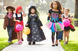 bigstock-Children-In-Fancy-Costume-Dres-94469759.jpg